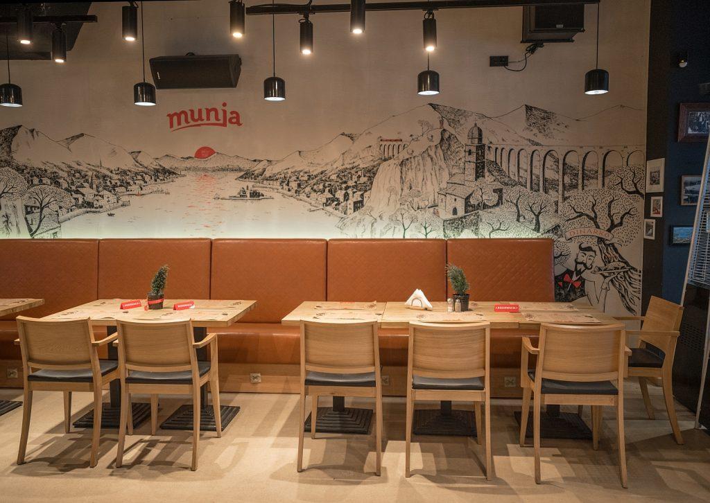 Meble restauracyjne z Meble Radomsko - restauracja Munja Warszawa